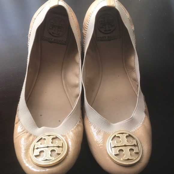 bfd795255 TORY BURCH Nude Patent Leather Ballet Flats Size 9.  M 5c3b99f7e944ba3546a5dc64